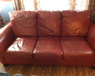 Bonded Leather Sofa https://ctbids.com/#!/description/share/332535