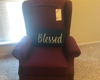 Wing back chair that reclines
