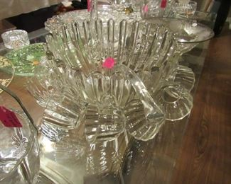 Mid Century punch bowl/12 cups & ladle