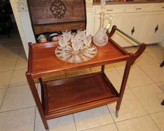 Mid Century rolling tea or bar cart with bottom tray