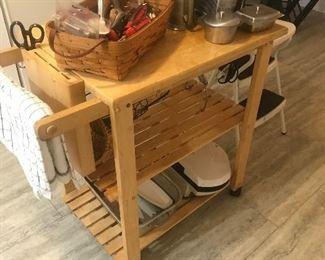 Kitchen utility island