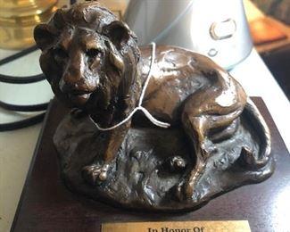 Laurence Isard broze lion