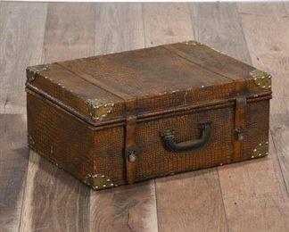 Alligator Texture Storage Suitcase