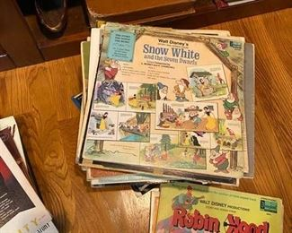 Children's records-the pages are not damaged