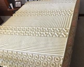 Full size Jenny Lind bed with mattress