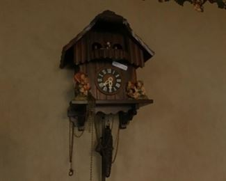 Hummel wall clock as is. Needs weight