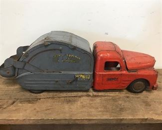 Early Structo Tin-Litho Dump Truck