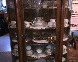 TRIPLE CURVED GLASS CHINA CABINET WITH PAW FEET