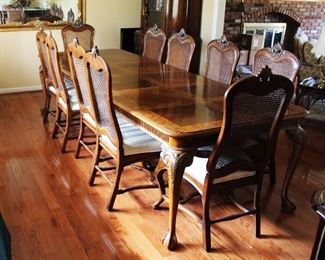 Dining Room Set with 3 Leaves and 2 Arm Chairs and 6 Side Chairs