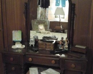 Nice vintage dresser with mirror and bench