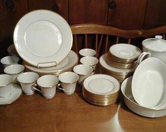 Lenox Eternal china 94 pieces