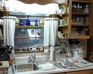 Chicago Cutlery knife set, Vintage Tupperware cannister set (harvest gold)