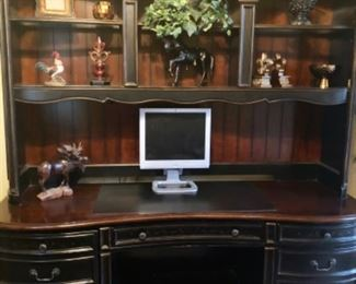 Hooker 2 piece desk unit