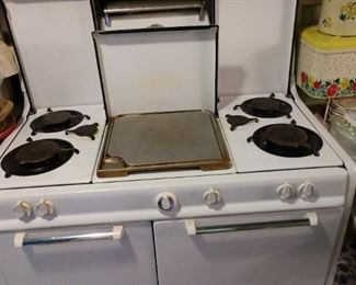 Wonderful Vintage Gas Cook Stove