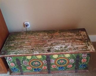 ANTIQUE PAINTED EARLY TRUNK