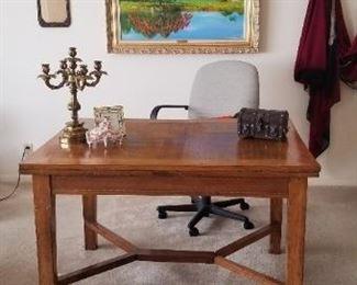 Expandable stunning table, needs minor work