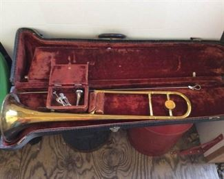 HN White Company King Trombone and Case