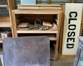 Vintage Table Top & Handmade Closed Sign