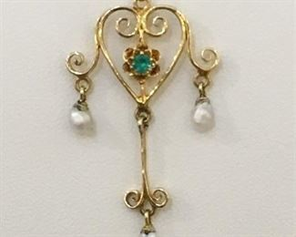 Antique Lavalier in gold with Emerald and pearl
