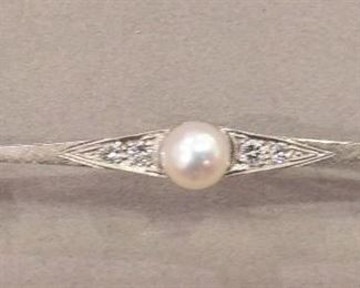 Antique White Gold Bar Pin with Diamonds and Prark