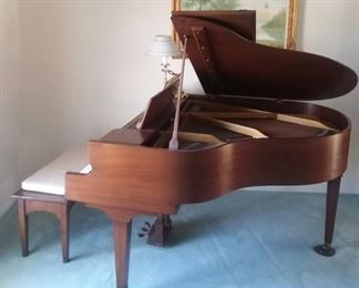 VOSE &  SON'S Baby grand piano.  Early 1900s. Excellent condition.