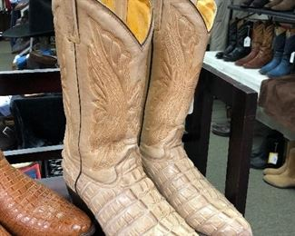 MEN'S BOOTS Sizes 10 – 10-1/2, most handmade.   Rocketbuster Tooled Leather Patronus Ctoe (look THOSE UP!), Crocodile, Alligator, Caiman Belly, Ostrich, Hornback Lizard, Stingray, Elephant, Sharkskin, Cape Buffalo, Argentine Riding Boots.