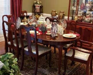 Haverty's dining set