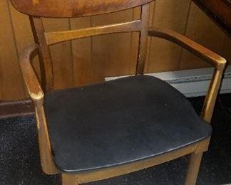 Det of 4 Lane Acclaim dining chairs