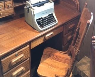 Vtg. Rolltop desk & Underwood Five typewriter