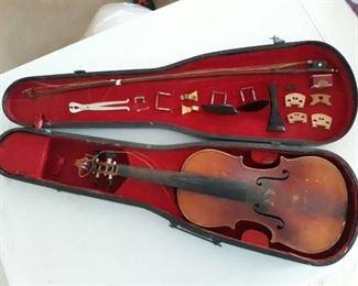 Stradiuarius Violin