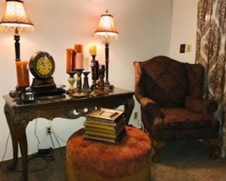 Matching sofa table, coffee table, end table.
