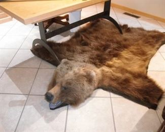CUSTOM MADE BEARSKIN RUG