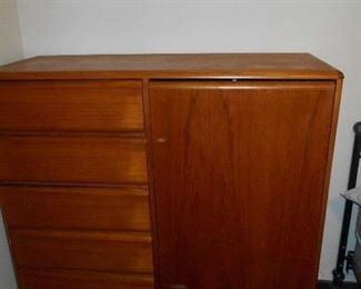 Drawer & door storage unit