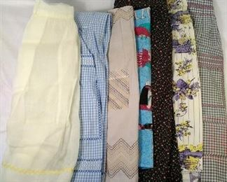 lot of 7 vintage aprons. Normal wear and stains https://ctbids.com/#!/description/share/344557