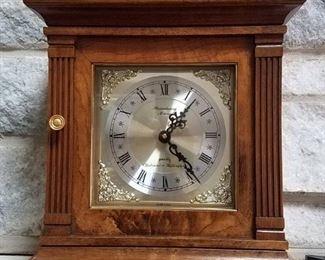 Strausbourg Manor Quartz Westminster Whittington mantle clock