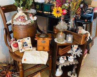 VINTAGE, ANTIQUES, COLLECTIBLES,, AN ARRAY OF VINTAGE BOXES USED FOR DISPLAY, ETC.,