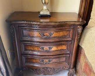Bedside table, nice design, excellent condition