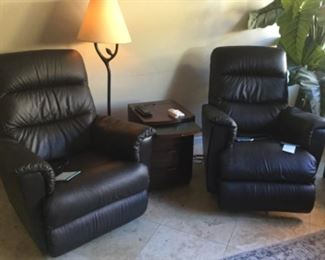 Less than a yea4 old laZboy recliners even have lumbar support adjustment