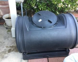 Earth easy 7 cubic foot composting tumbler Composting drum roll like new