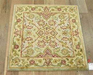 Handmade Polonaise Pattern New Zealand Wool Area Rug