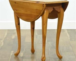Pine Queen Anne Drop Leaf End Table
