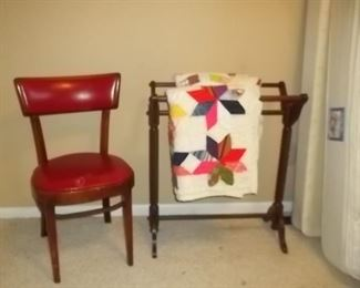 quilt rack and quilt