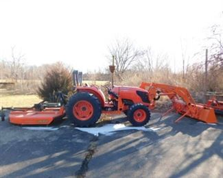 Kubota Tractor  MX5100 With bucket 92 actual hours Hydrostatic HST 4WD 50hp-Rotary cutter sold separately.