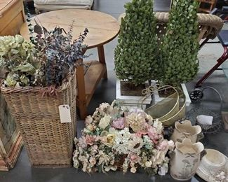 Outdoor Decor Includes vases, wall vases, wicker baskets and more!