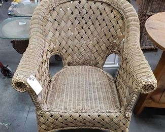 "Large Wicker Chair Measures approx 25""x32""x35"""