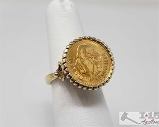 14k Gold Ring, Weighs Approx 8g 14k Gold Ring, Weighs Approx 8g, Size 5.5