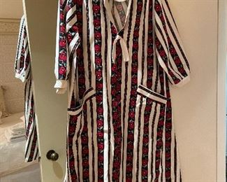 vintage housecoat
