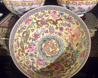 Paper-thin Porcelain Bowls in Presentation Boxes detail