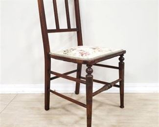 Lot 004 Small Upholstered Chair