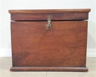 Lot 007 Small Vintage Wooden Hope Chest